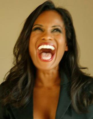 Actor Robinne Lee (Photo via https://www.facebook.com/therobinnelee)