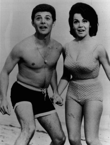 annette funicello hair, annette funicello hairstyle, frankie avalon, 1960s beach movies