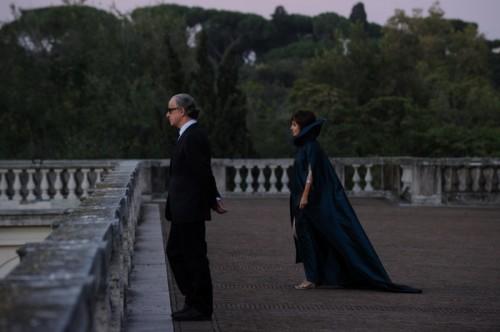 """Toni Servillo and Sabrina Ferilli in The Great Beauty by Paolo Sorrentino. (Photo: Janus Films) SET DEL FILM """"LA GRANDE BELLEZZA"""" DI PAOLO SORRENTINO. NELLA FOTO SABRINA FERILLI E TONI SERVILLO . FOTO DI GIANNI FIORITO"""