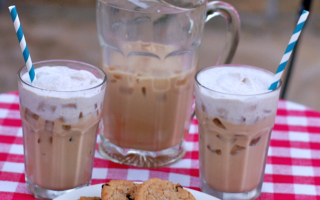Grandmom's iced coffee recipe with cinnamon whipped cream #MomentoNESCAFE