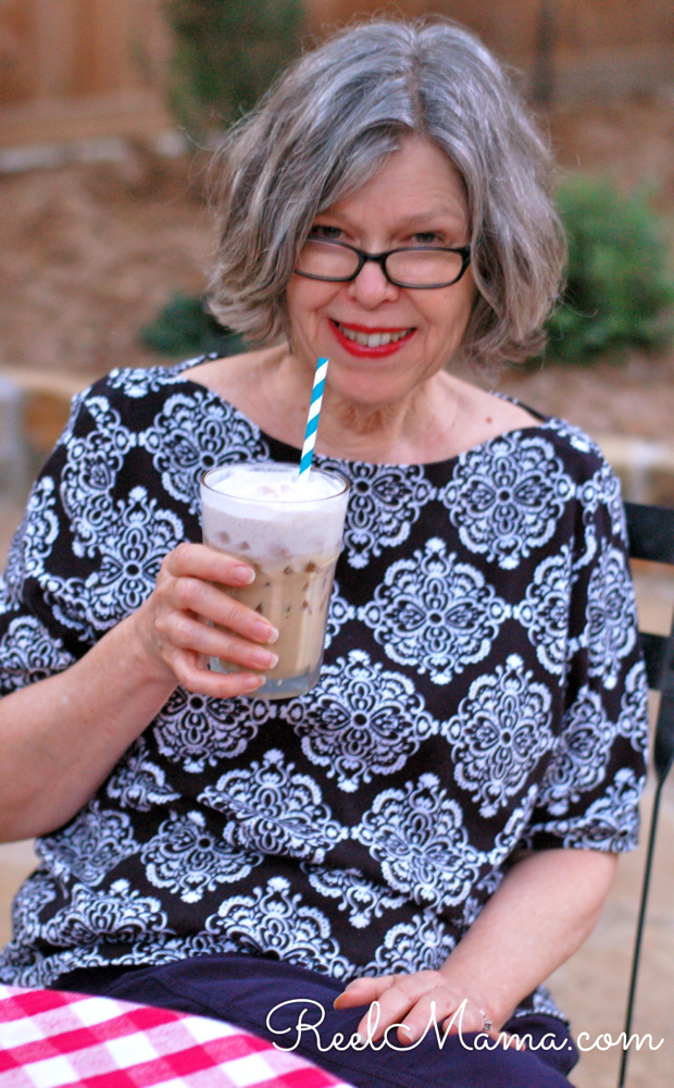Mom with iced coffee: Iced coffee recipe #MomentoNESCAFE
