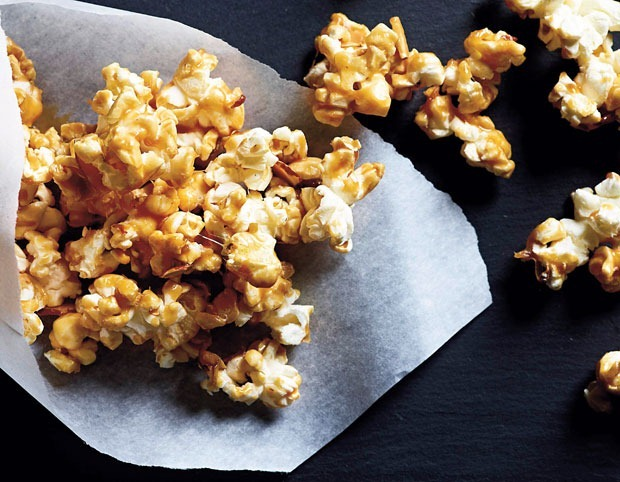 Healthy peanut butter caramel popcorn from ThisMama Cooks