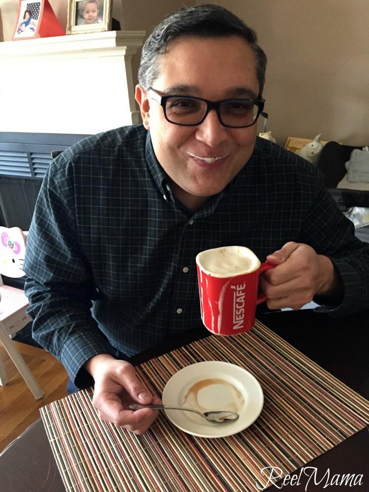 Horacio experiencing the orange cream café recipe #MomentoNESCAFE