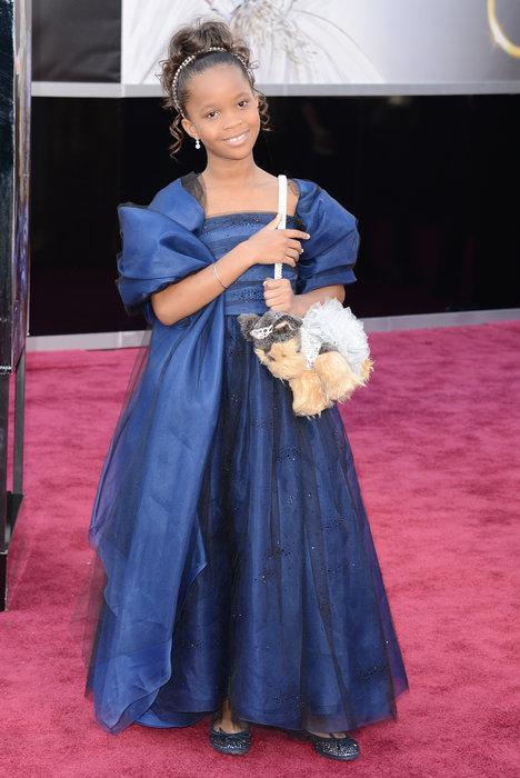 Quvenzhané Wallis, Poochie & Co. puppy purse, Quvenzhané Wallis puppy purse, Quvenzhané Wallis in Armani, Quvenzhané Wallis at Oscars 2013