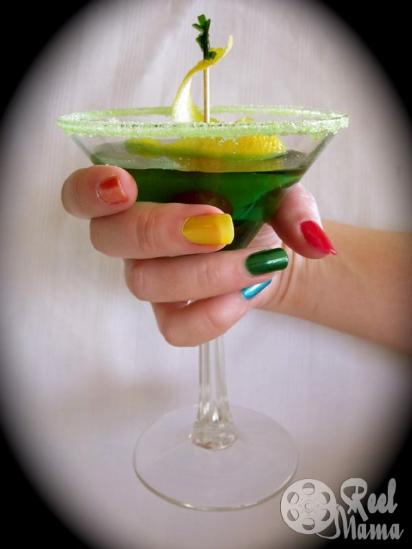 Midori liqueur, Midori melon liqueur, midori drinks, midori melon drinks, emerald city martini, emerald city martini recipe, wizard of oz drinks, wizard of oz drink recipes, st patrick's day drinks, st patricks day drinks
