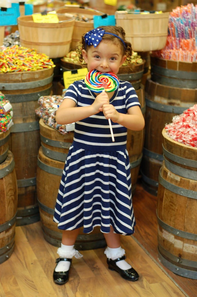 Shirley Temple hairstyle candy shop