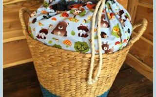 Make a cute baby clothes hamper with a wildlife theme ~ a DIY!